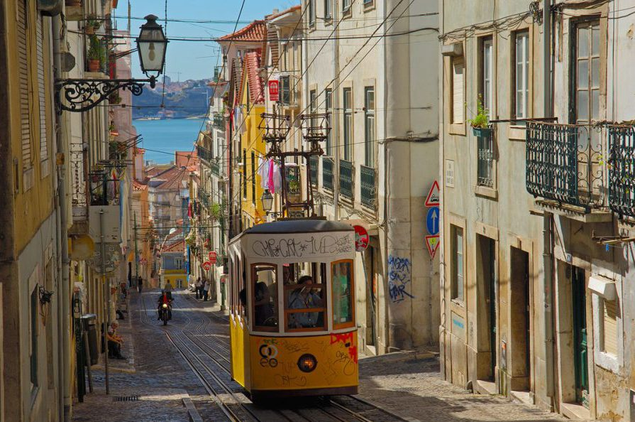 LISBON, JULY 2017: cApStAn @ the 70th WAPOR Conference AND @ the 7th ESRA Conference